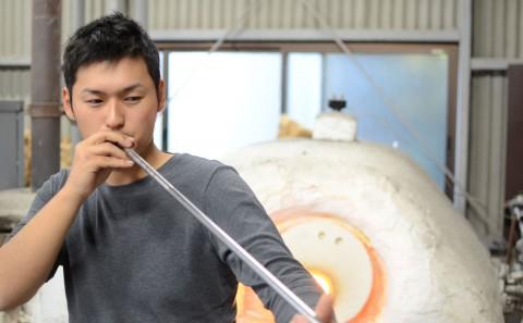吹きガラス工房 ぐらすたTOMO(ガラス工芸卒業生活躍情報vol.09)