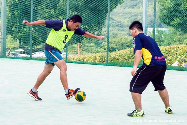 枝松先生ボールをトラップ