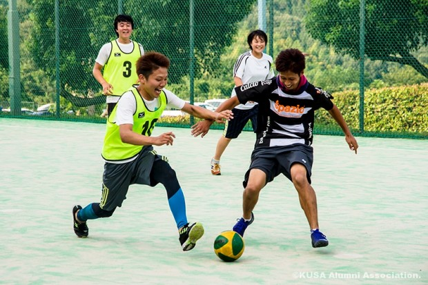 ボールの競り合い