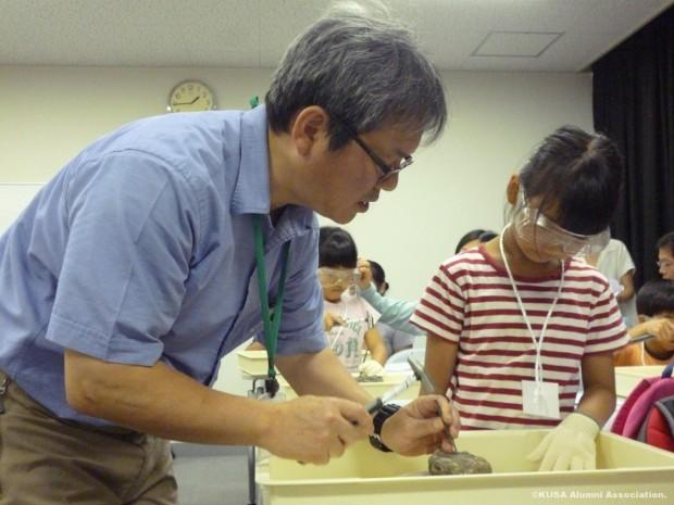 指導する加藤先生