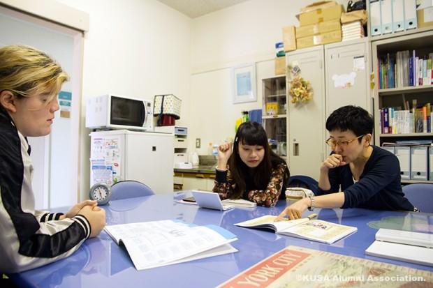 江原研究室でエマさんと戴さんの英会話