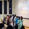 整列する留学生