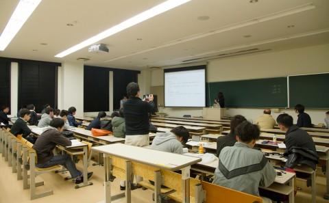 経営情報学科卒業研究発表会について