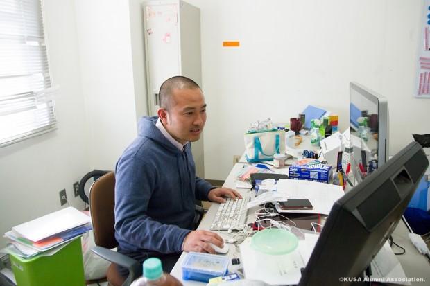 研究室での椎葉講師