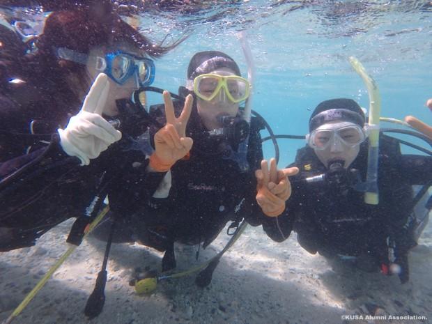 潜水中の学生さん