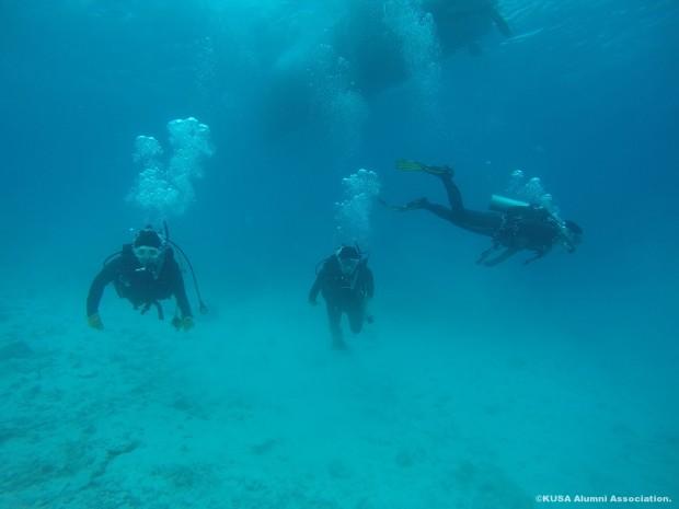 潜水している学生さん