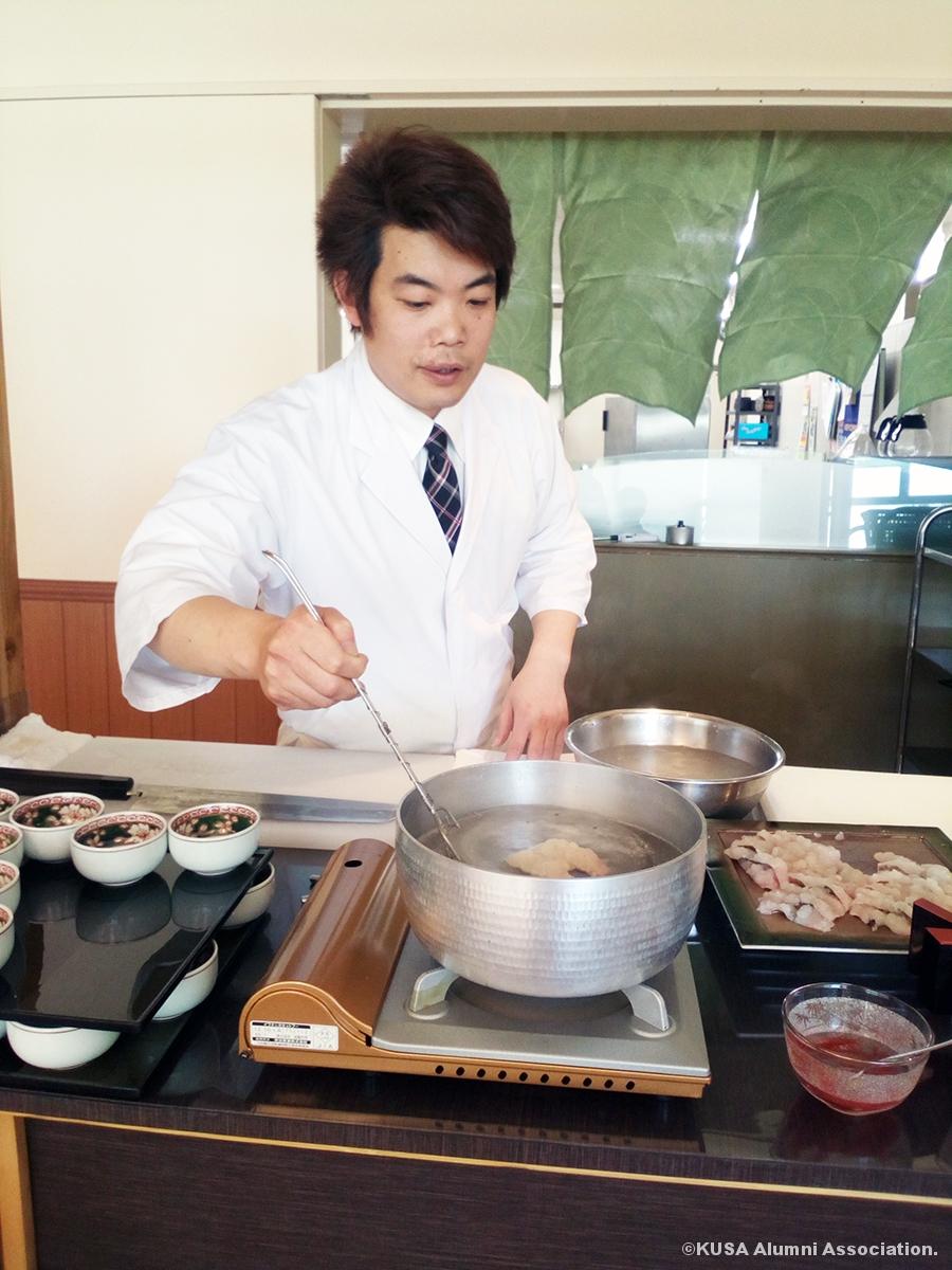 料理長による湯引き