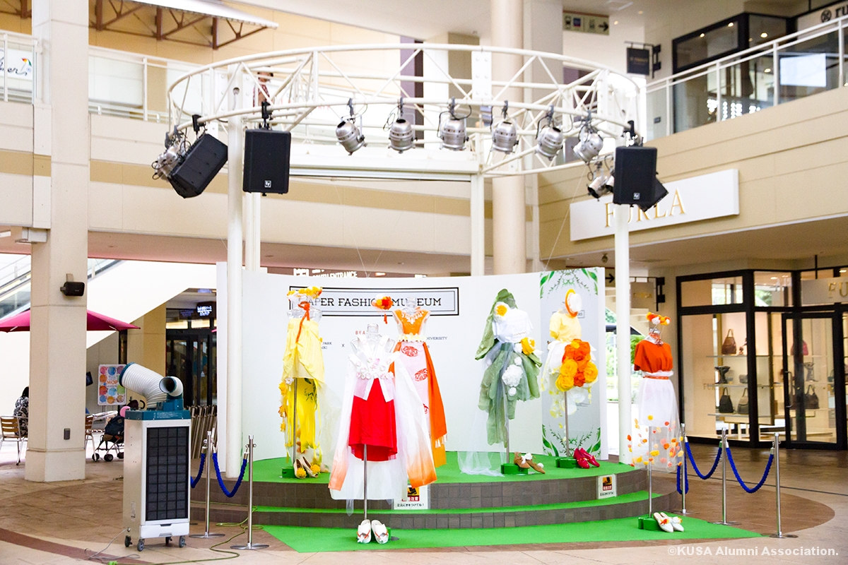 ペーパーファッション展示会