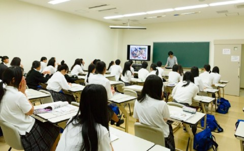 岡山県立津山工業高等学校 学内見学のため来校