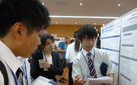 学生が第15回無機環状化合物国際シンポジウムにて発表を行いました。