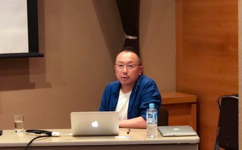 ガラスコース技術員 迫田 氏 が美術館講座を行いました。