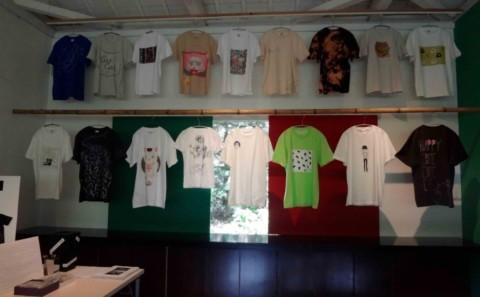 学生達の作品が招き猫美術館に展示されています。